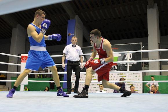 Кристиян Николов извоюва победа над англичанин