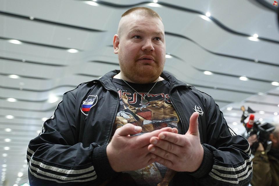 Скандален боец-сутеньор излезе от затвора и поиска бой с Емелианенко