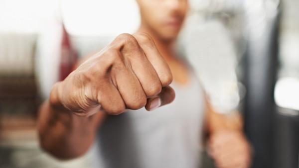 Охранител уби шампион по ръкопашен бой в схватка (ВИДЕО)