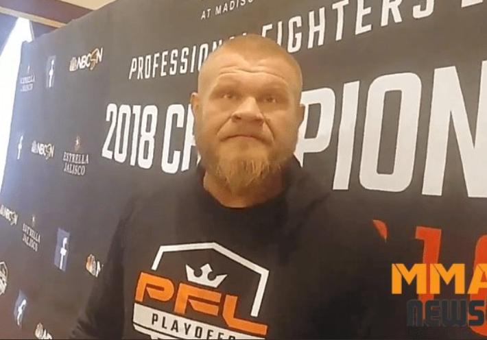 Арестуваха бивш състезател от UFC за домашно насилие