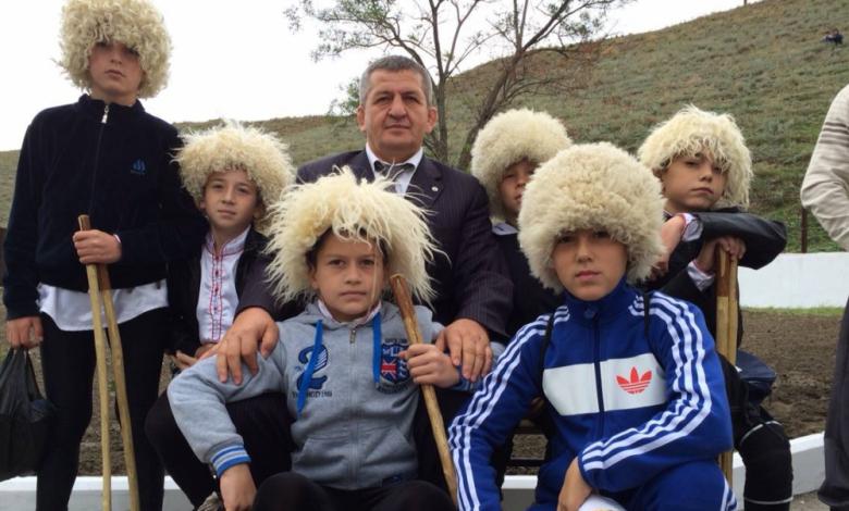 По пътя на Хабиб – баща му пусна момчета в бой с мечки (ВИДЕО)