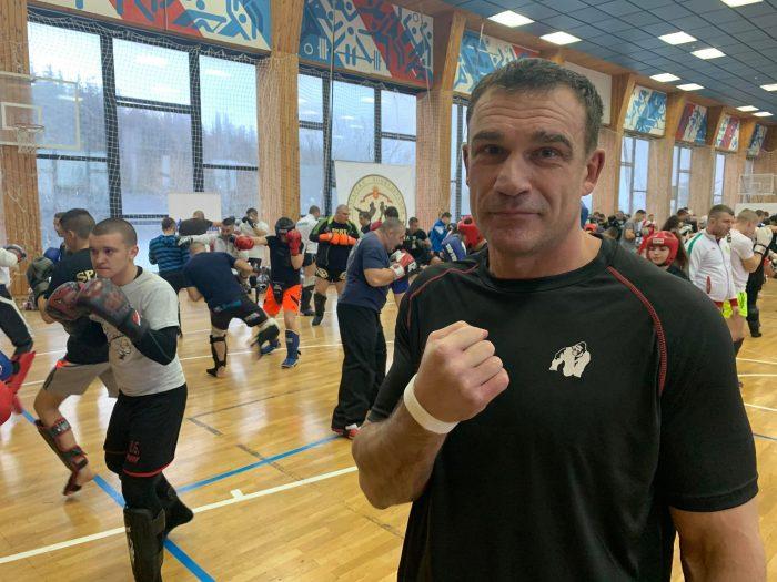 Петър Артс води 4 свои бойци в София (ВИДЕО)
