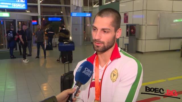 Български национал със световната титла в дебюта си (ВИДЕО)