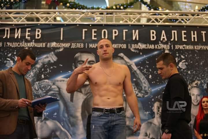 Гръцки ММА шампион е следващият съперник на Радослав Карашев