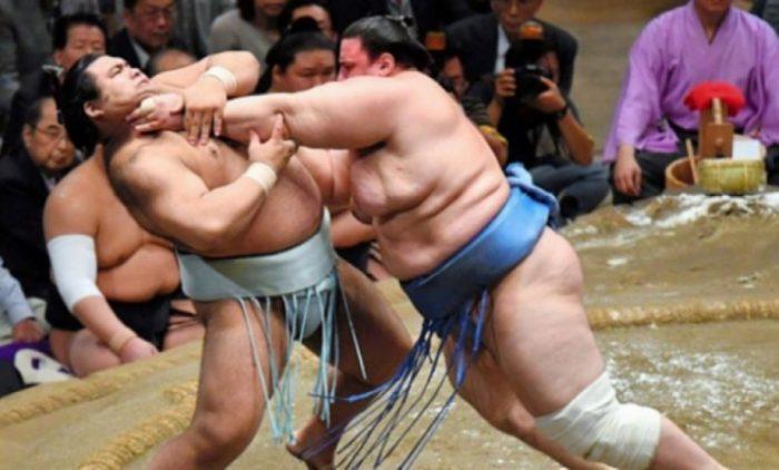 Аоияма тръгна с победа