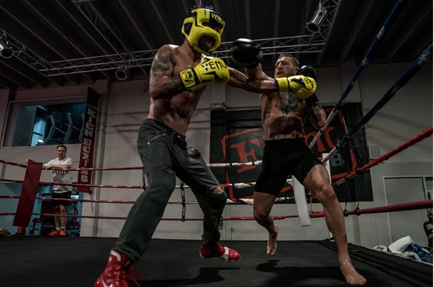 Конър Макгрегър тренира с кубински боксьори в Маями
