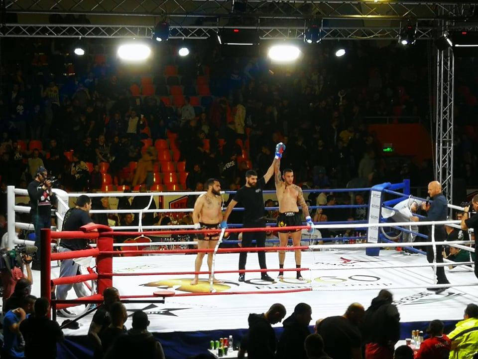Даниел Илиев вдигна публиката на крака с бърза победа на GRAND FIGHT ARENA 2
