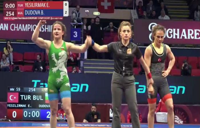 Брилянтни! Селишка, Николова и Дудова ще играят за злато на Европейското по борба