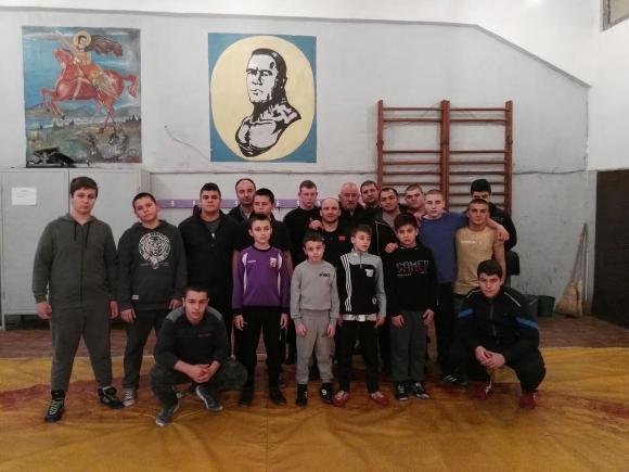 Зов за помощ! Треньорът на Великов и Мишо Ганев се нуждае от спешна скъпа операция!