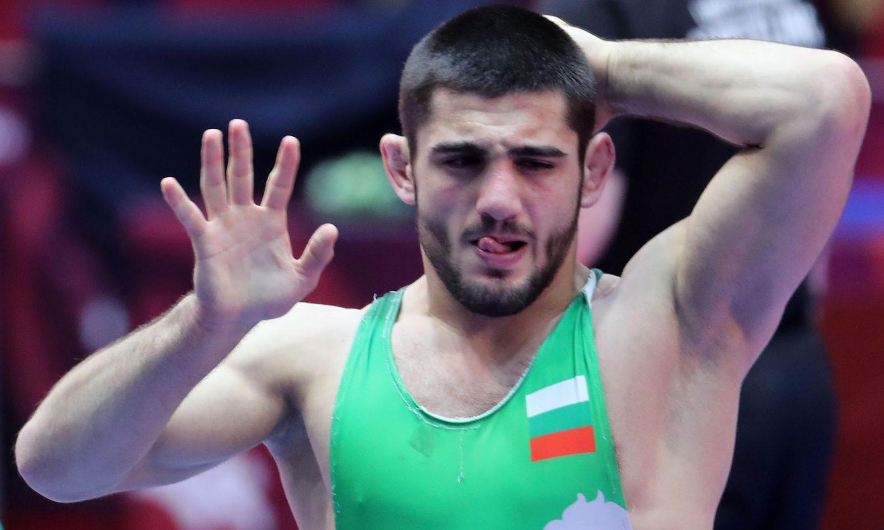 Седем национали по борба на финали в Румъния