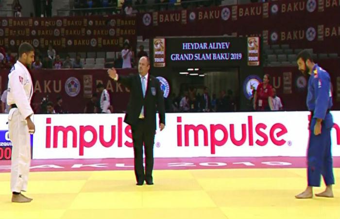 Иво Иванов на полуфинал след нови две победи