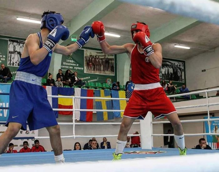 Юношите продължават с победите на европейското по бокс