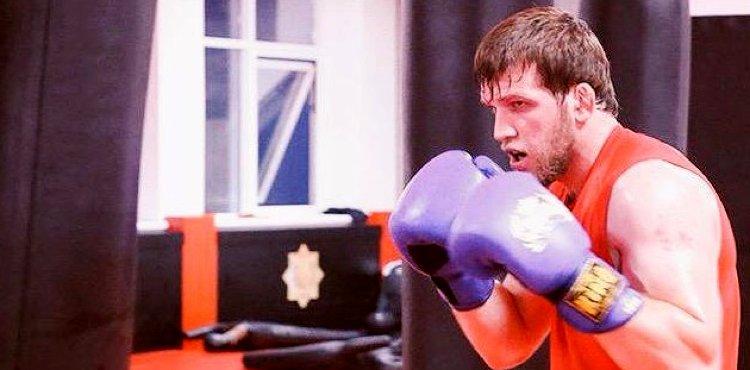 UFC освободи боец близък на Рамзан Кадиров