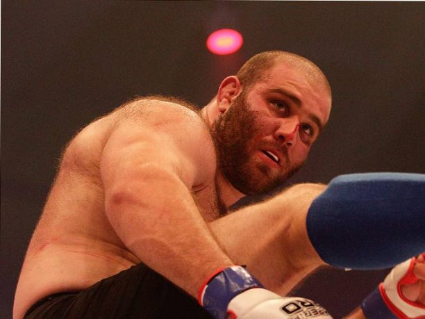 Арестуваха европейски шампион заради нападение над полицаи