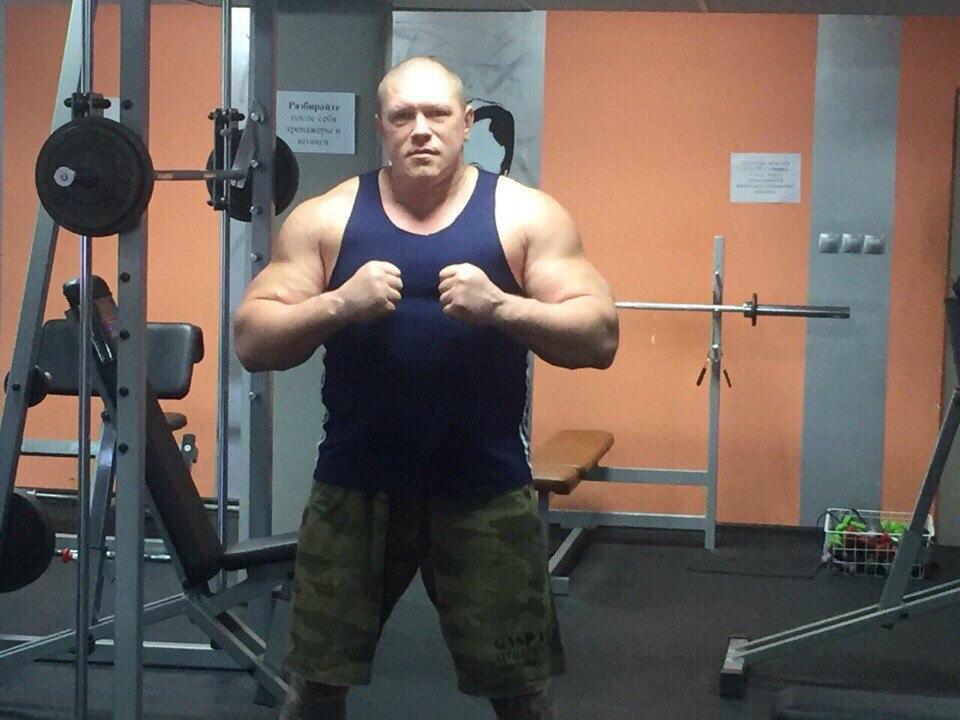 Бивш затворник пожела да се бие едновременно с Емелианенко и още един съперник