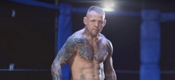Ветеран в UFC с успешен дебют в бокса (ВИДЕО)