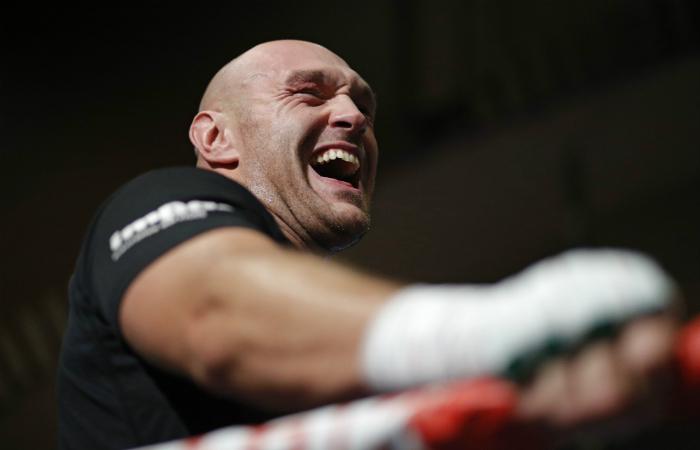 Тайсън Фюри отново се бие с анонимен боксьор