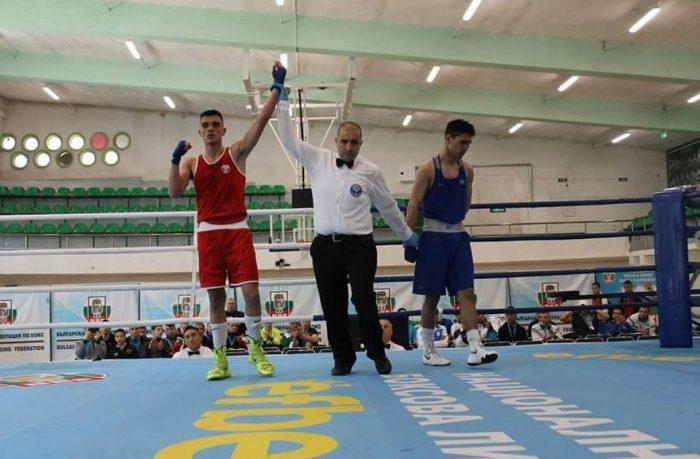 Трети златен медал за България, Чолов надхитри руснак
