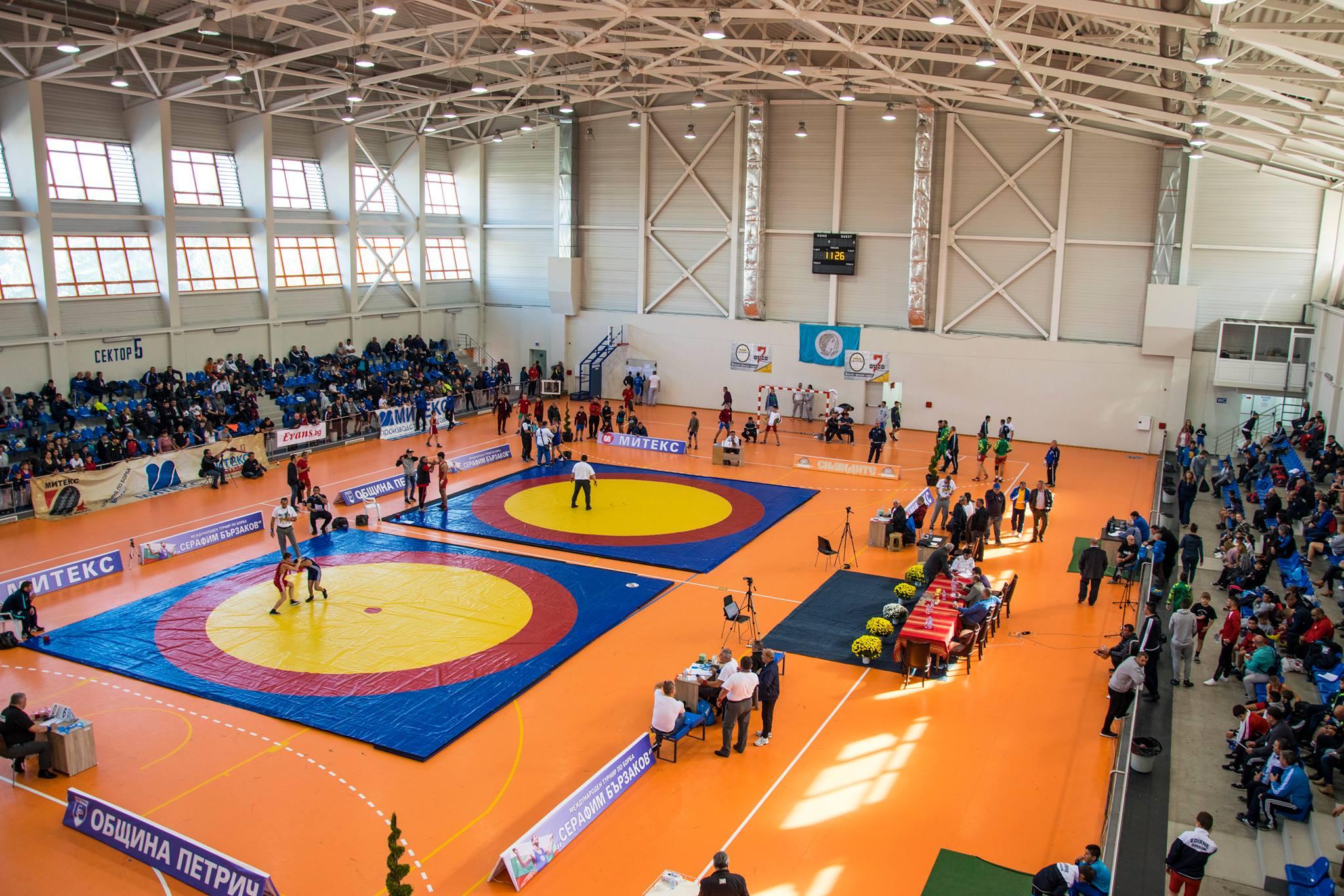 Петрич посреща шампионата по свободна борба за момчета