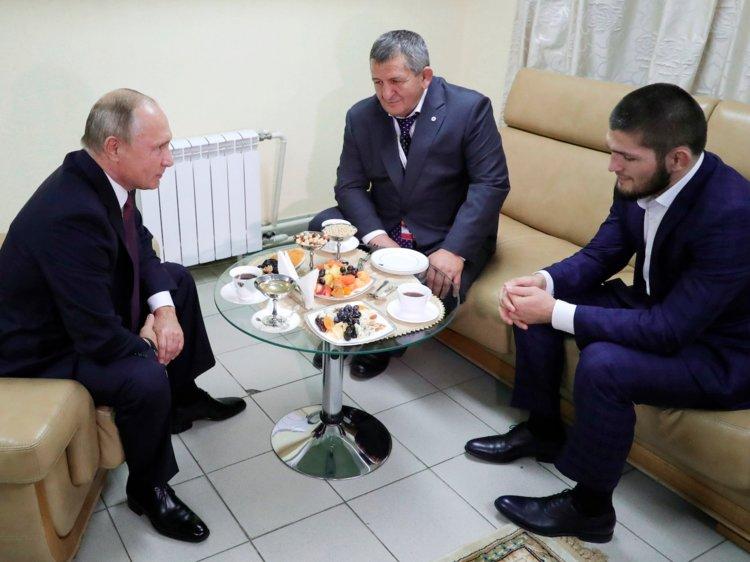"""Путин отпусна 600 милиона рубли за училище """"Хабиб"""""""