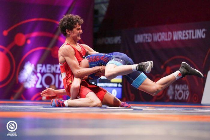 България влиза в световното по борба за кадети с 29 състезатели