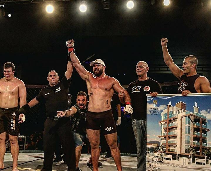 Непобедим бразилски звяр подписа с UFC (ВИДЕО)