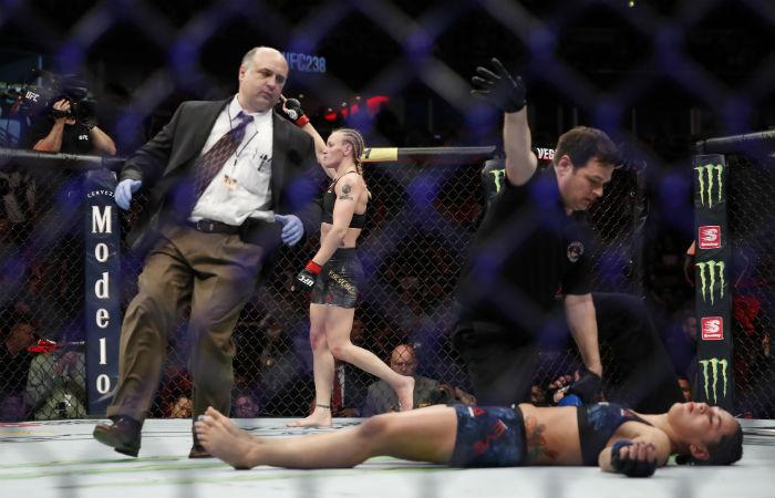 Тръпката и агонията – зад кулисите на UFC 238 (ВИДЕО)