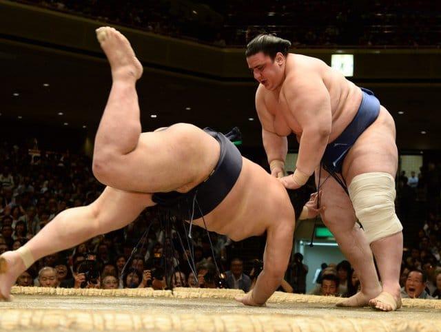 Аоияма с втора победа на януарския турнир в Токио