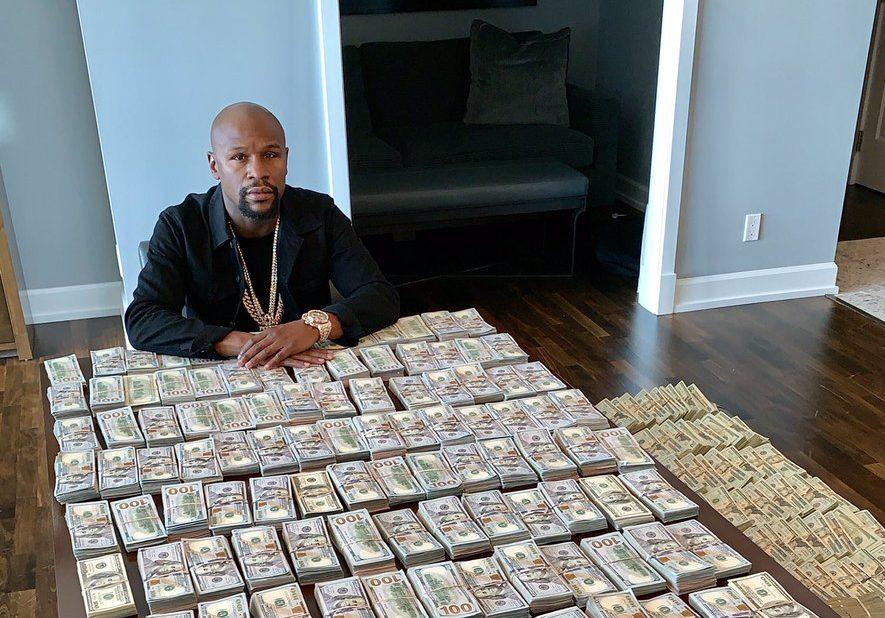 Мейуедър отново демонстрира любовта си към парите (СНИМКА)
