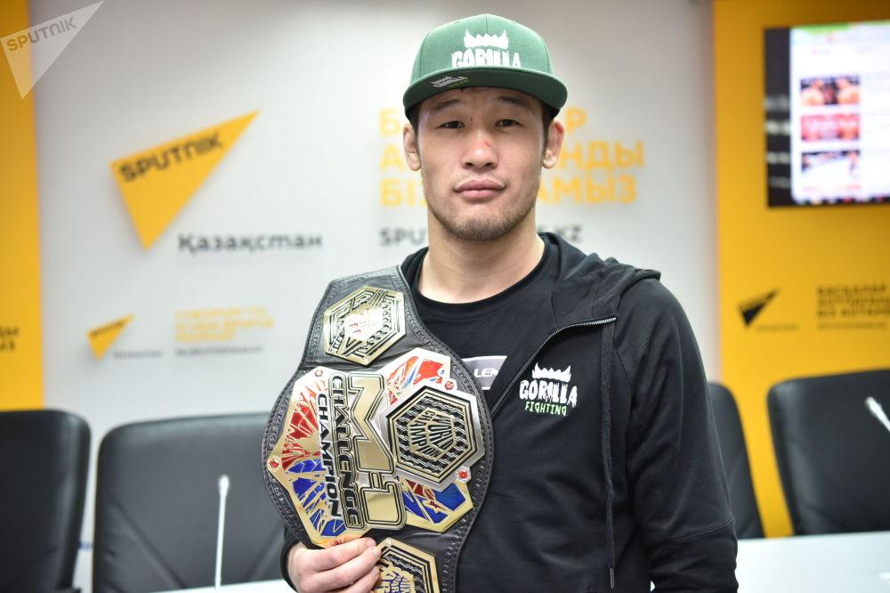 Непобеден боец от Казахстан подписа с UFC