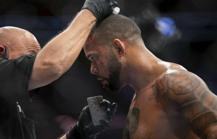 Тиаго Сантос се сгоди за колежка от UFC