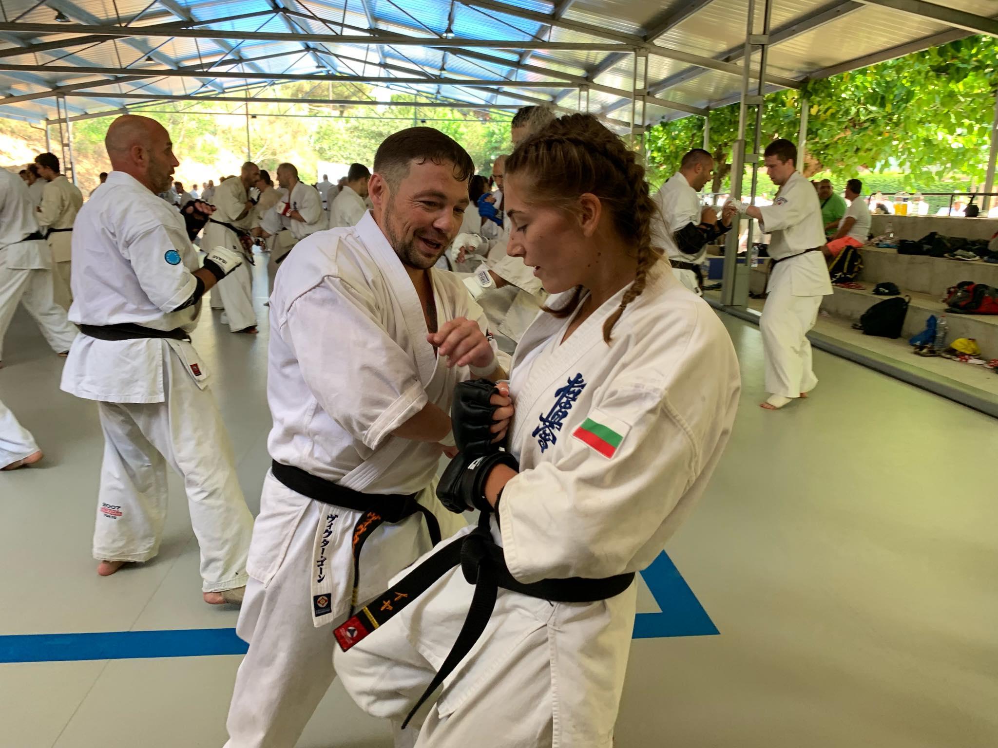 300 бойци изненадаха наша шампионка за рождения ѝ ден (ВИДЕО)