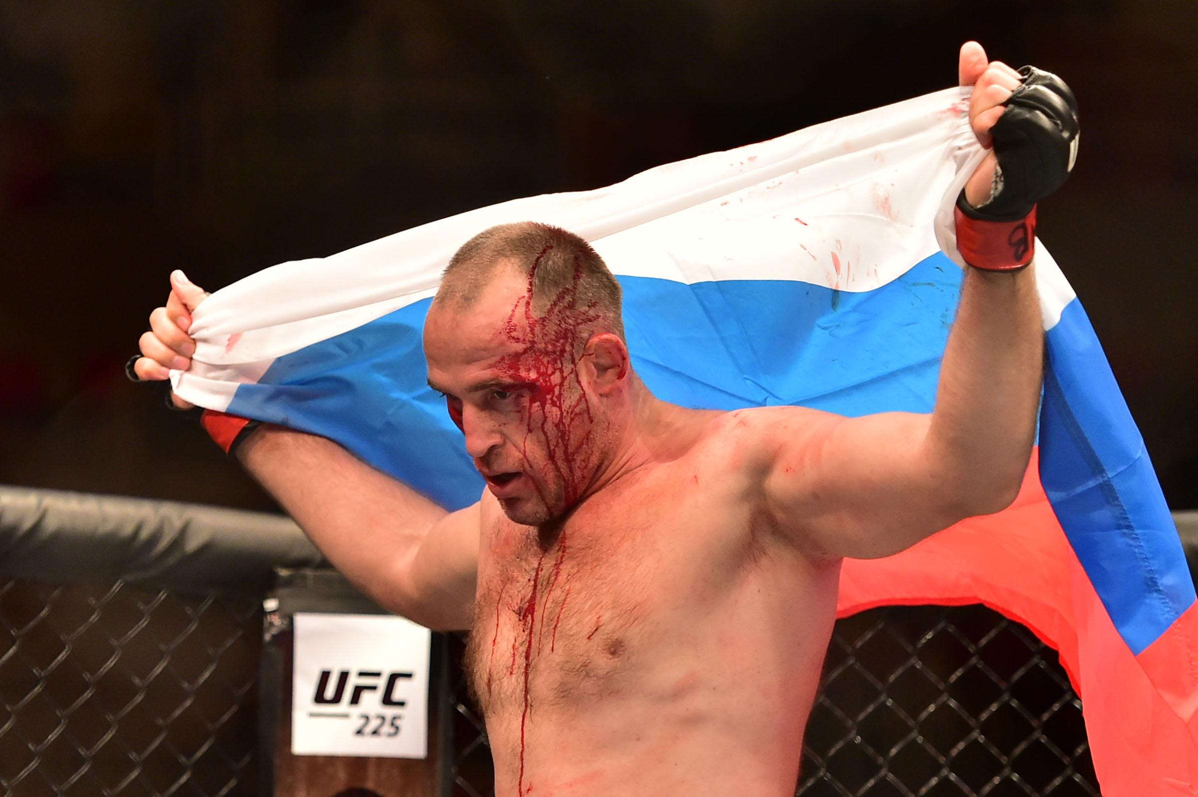Руснак подписа нов договор с UFC и обяви първата си битка
