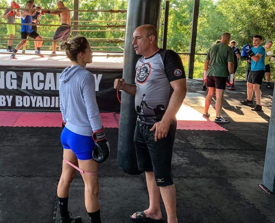 Памела Треан тренира с Боби Бояджиев за дербито с Лъвицата