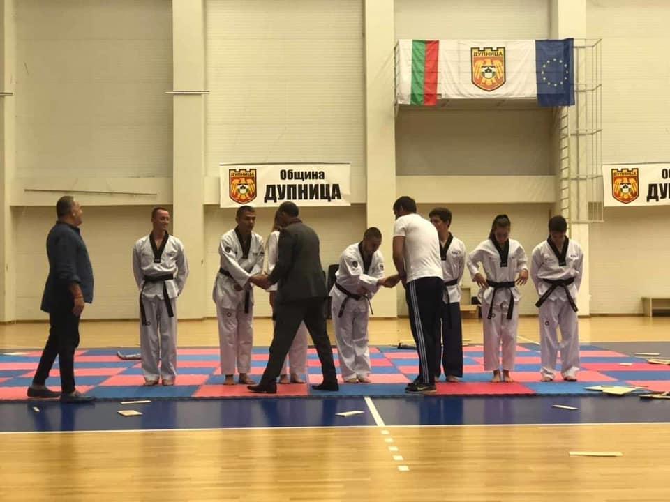 Таекуондо и крикет заедно на събитие в Дупница (ВИДЕО)