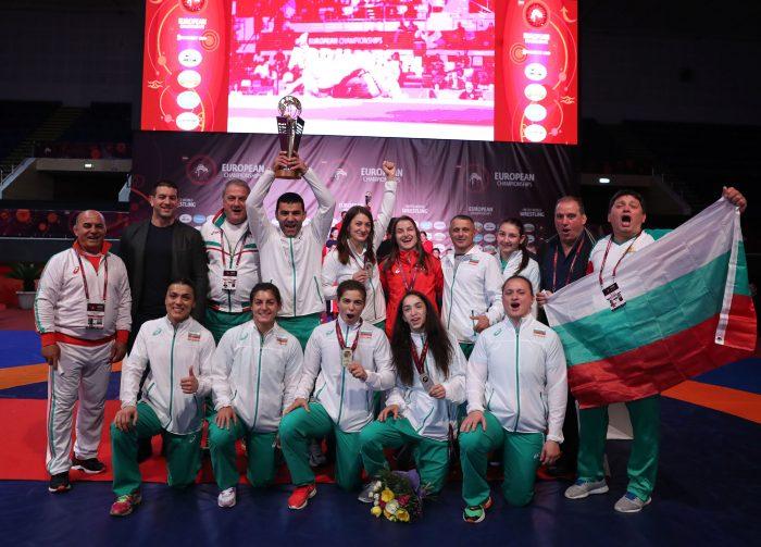 Женският национален отбор по борба заминава на лагер