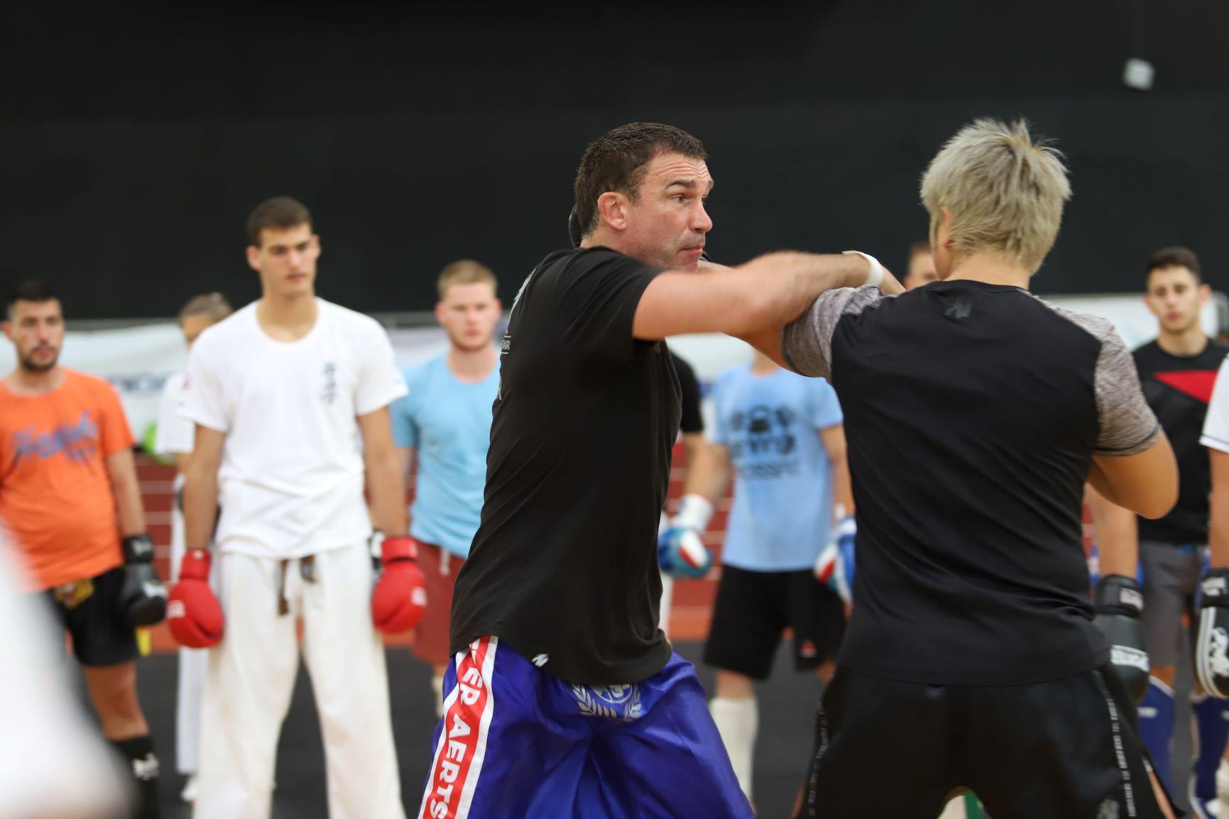 Ернесто Хуст и Петер Артс с четири тренировки във Варна (ВИДЕО)
