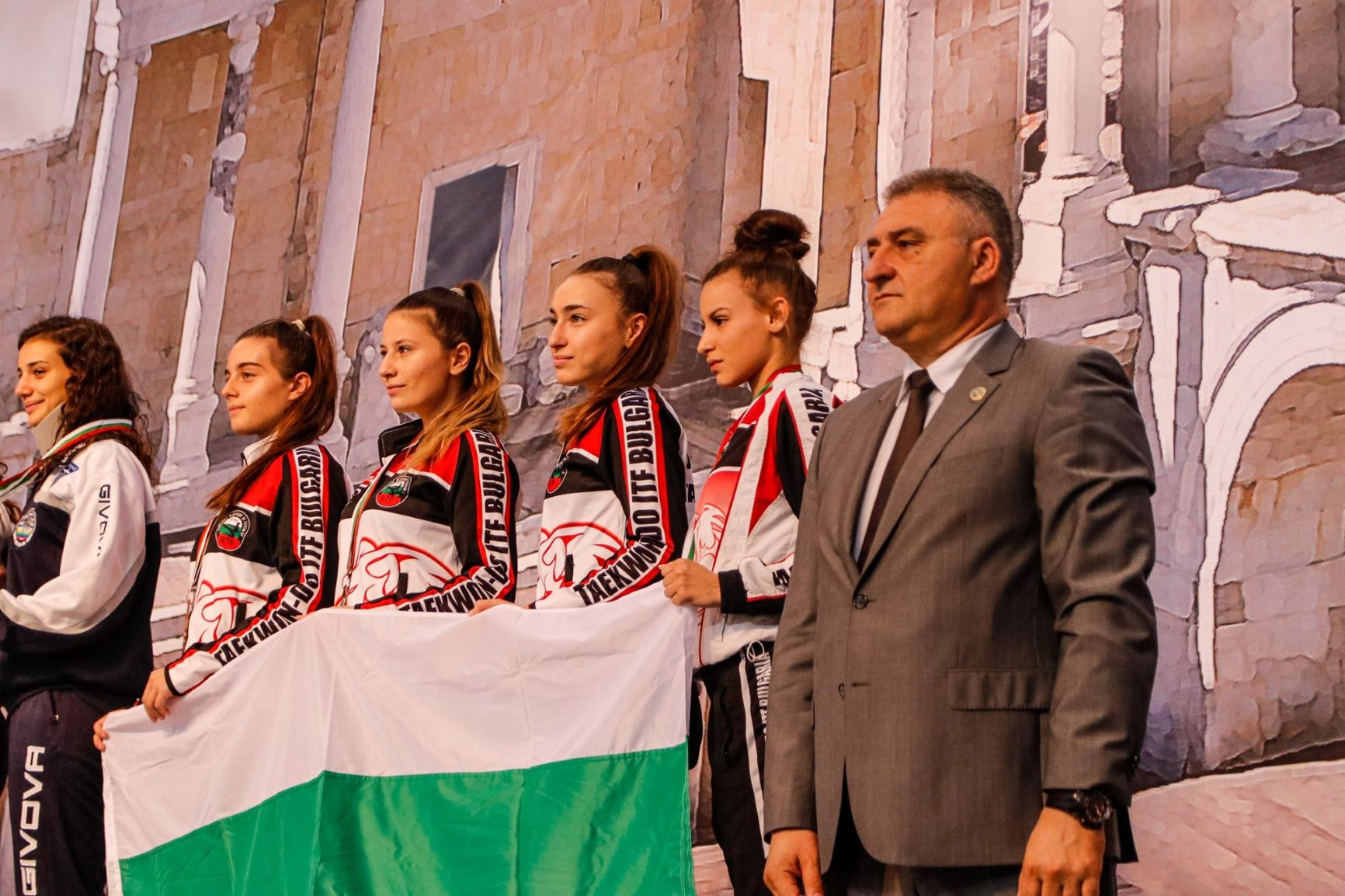 Таекуондистите ни добавиха 5 медала от световното в Пловдив