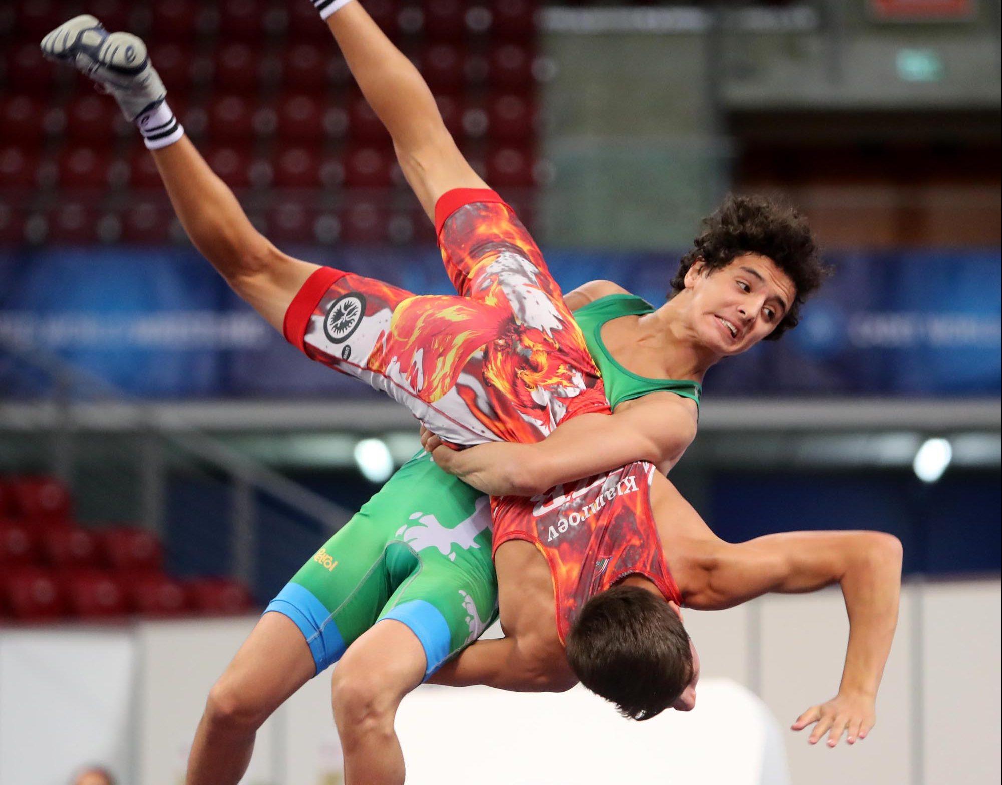 Назарян и Емилов в спор за медалите на световното в София
