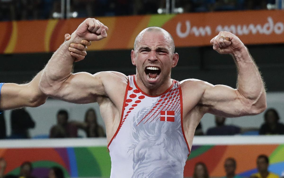 Олимпийският медалист в борбата Марк Мадсен подписа с UFC