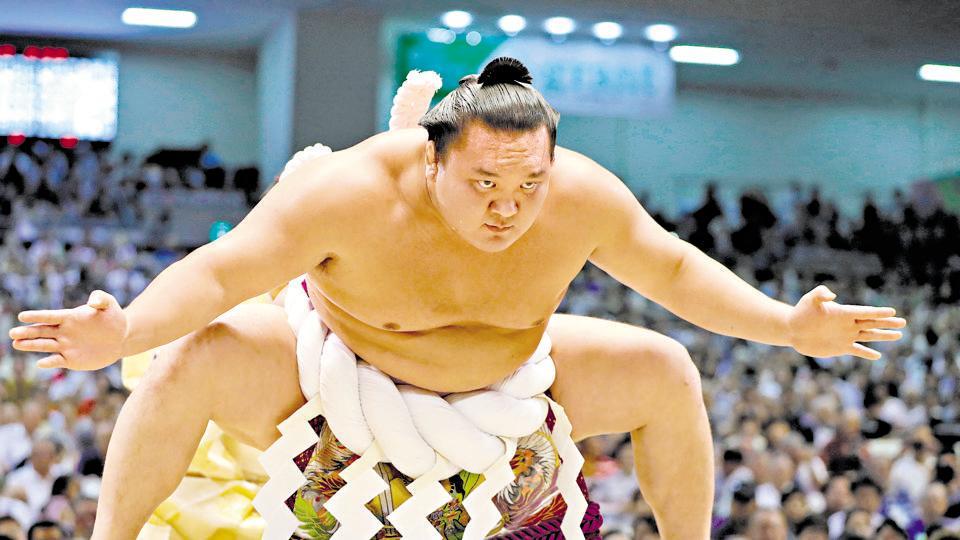 """Легендарният """"Йокодзуна"""" Хакухо сложи край на кариерата си"""