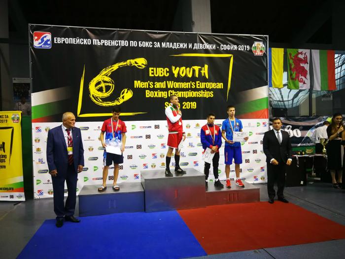 Два златни медала за България от Европейското по бокс (СНИМКИ)