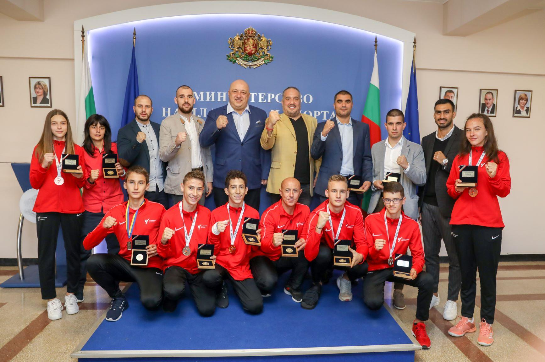 Министър Кралев награди медалистите от Европейски първенства по таекуондо