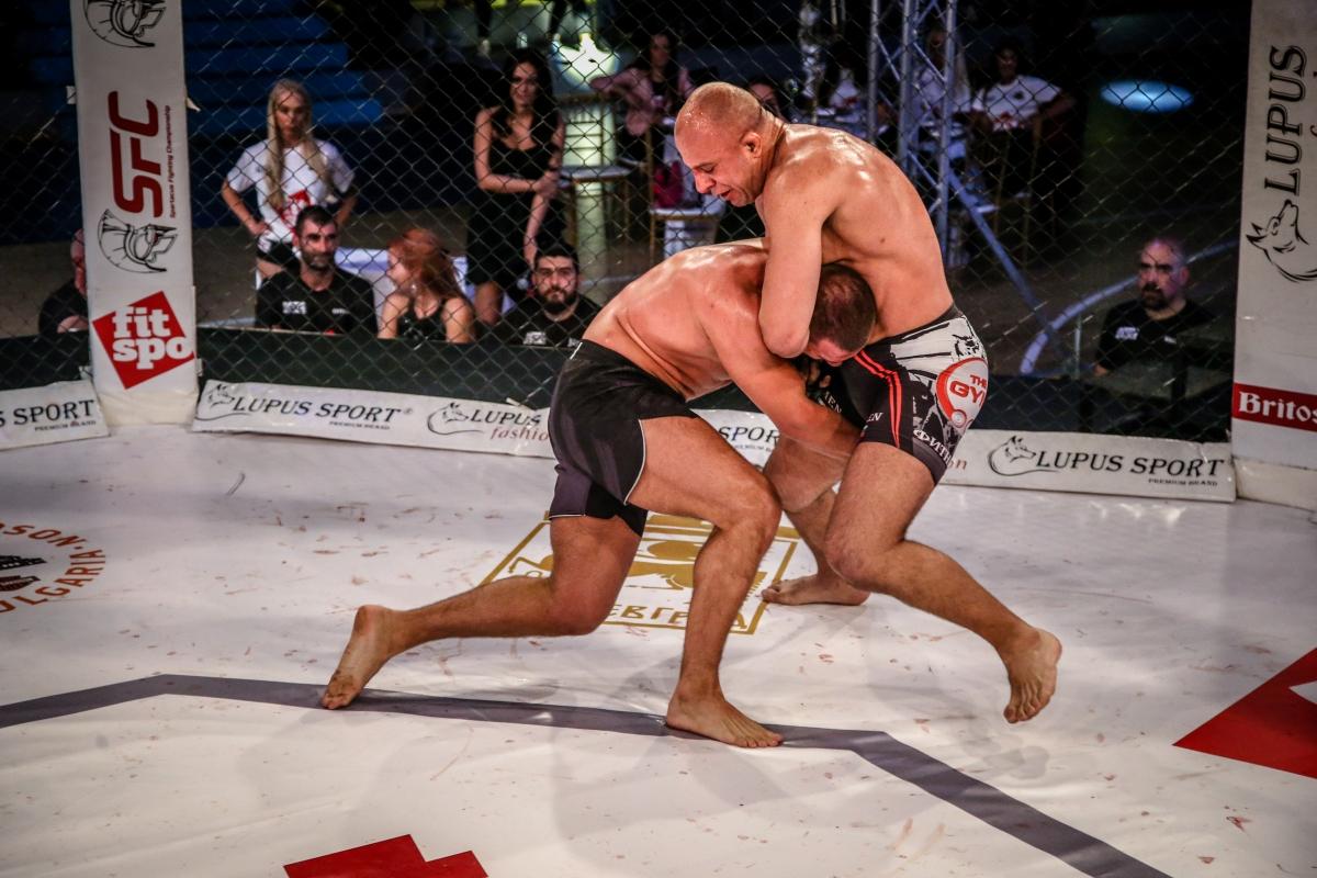 Трябваше ли да има победител в мача между Калоян Колев и Камен Георгиев?