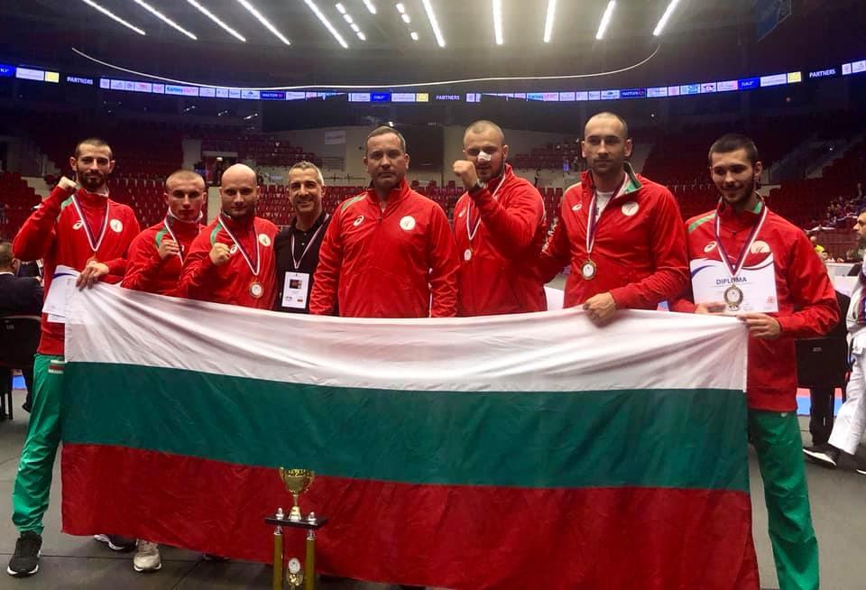 България ликува с отборната титла при мъжете на Световното по шотокан