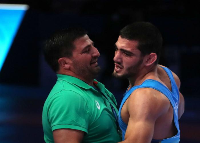 Айк Мнацаканян ще се бори за бронзов медал