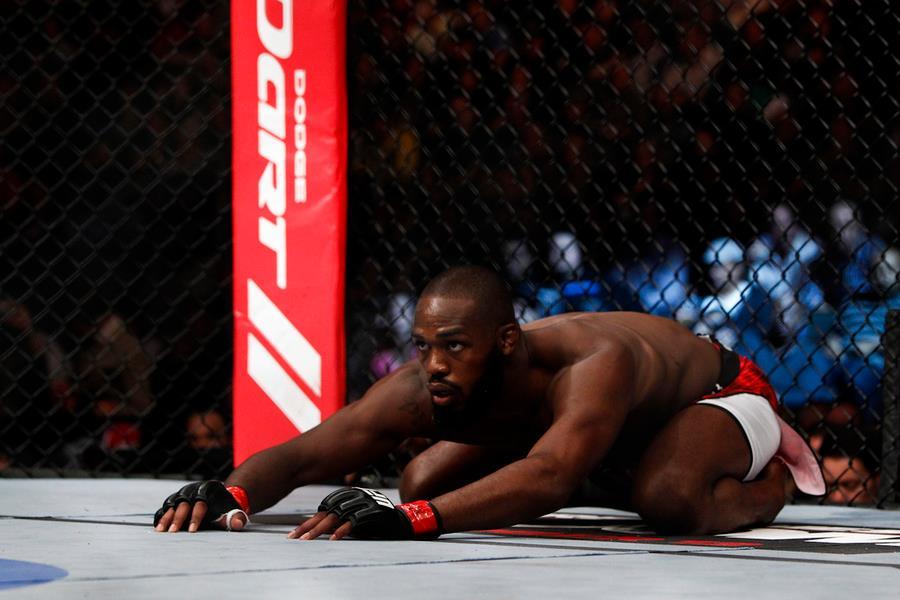 Джоунс даде задна за битката с Нгану