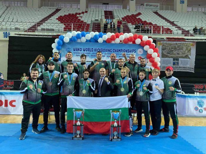 България в топ 10 на отборите на Световното по кикбокс