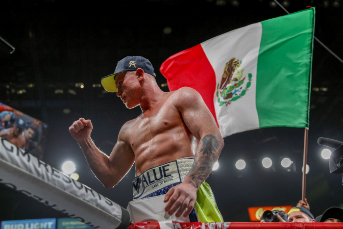 Канело Алварес се отказа от титлата на WBA