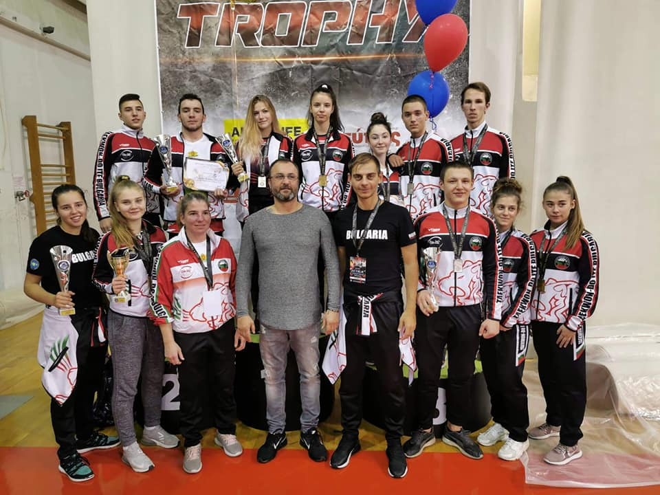 Родни таекуондисти с 20 медала от турнир в Атина (СНИМКИ)